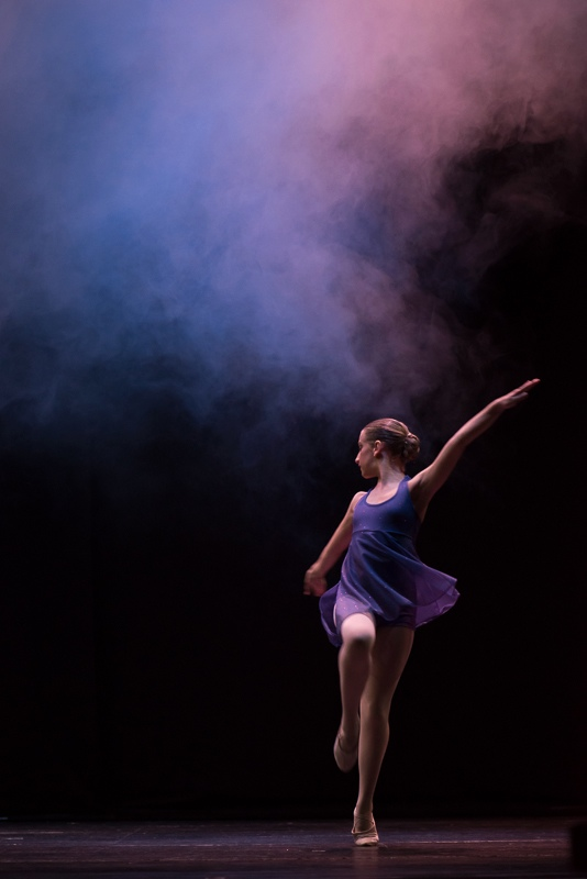 Retrato de bailarina de danza clásica durante una actuación en Algeciras