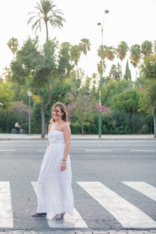 Retrato de novia boho en la calle