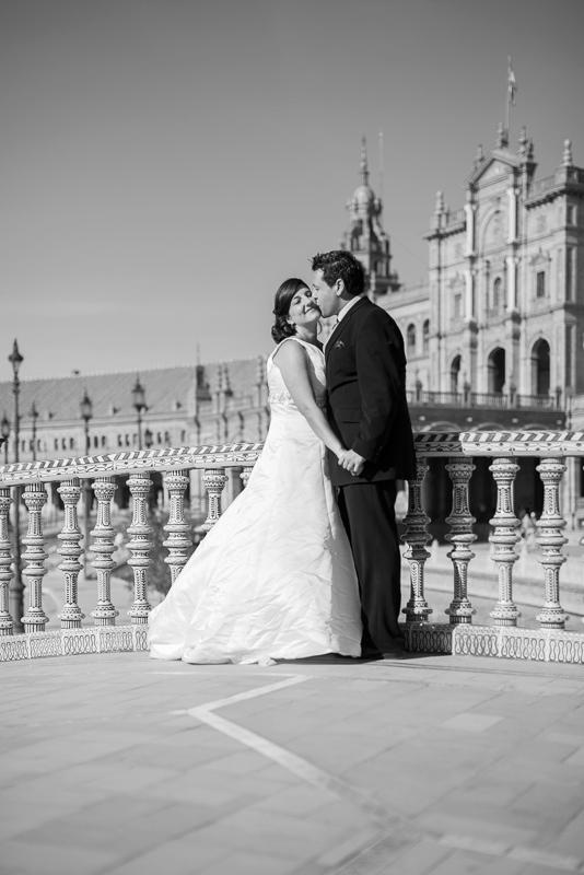 Fotografía de boda romántica y elegante en Sevilla