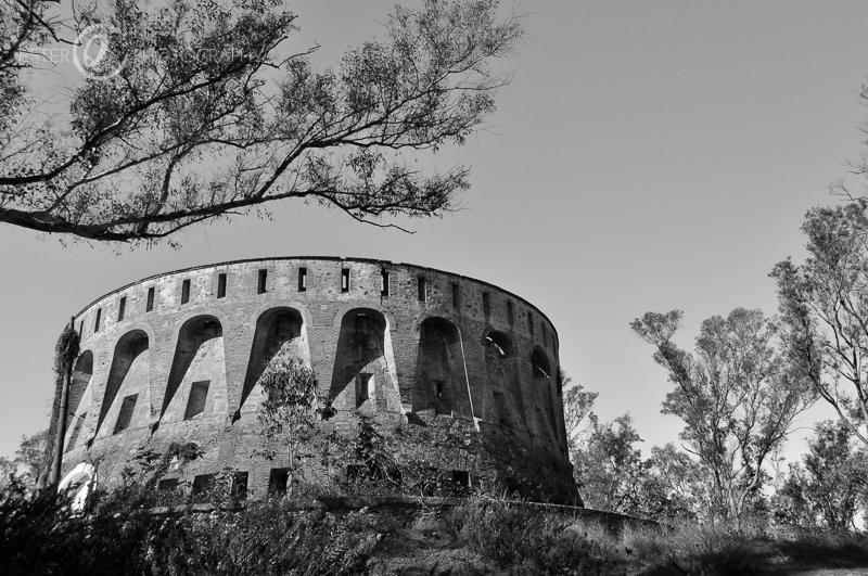 Fotografía en blanco y negro del fuerte Isabel II  de Ceuta-13