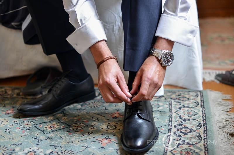 Zapatos de novio el día de la boda