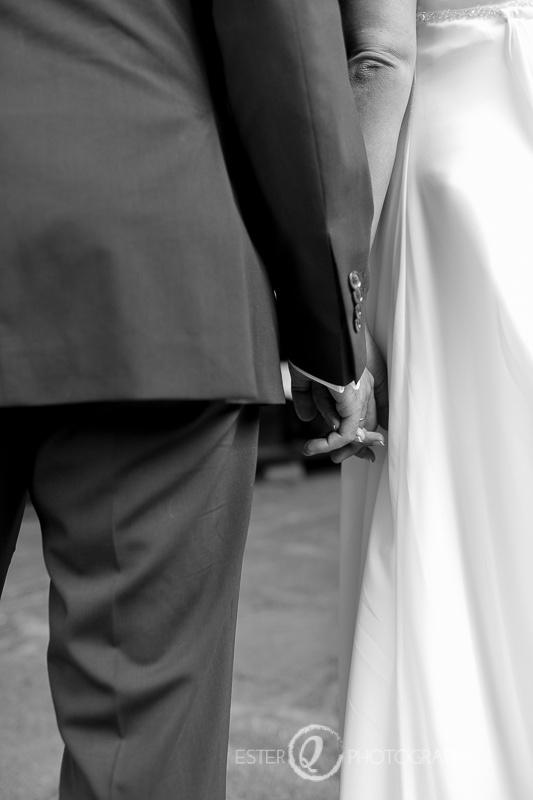 Detalle romántico del fotógrafo de boda