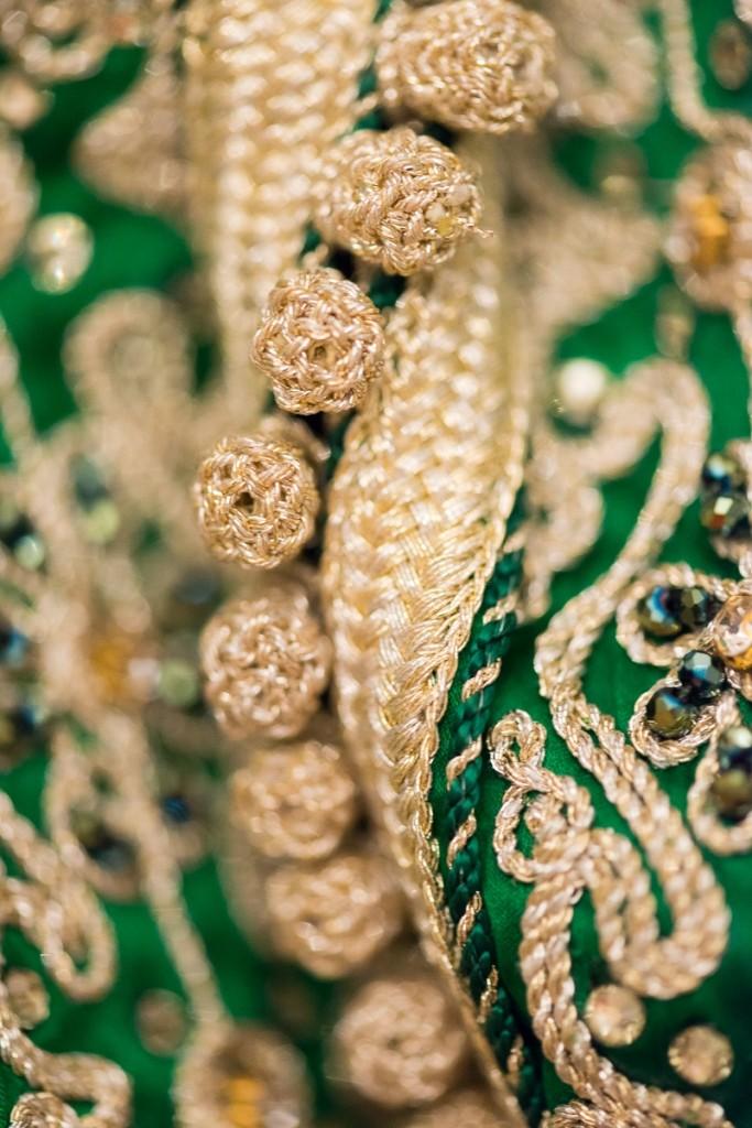 Detalle vestido de novia musulmana en Ceuta por fotógrafa