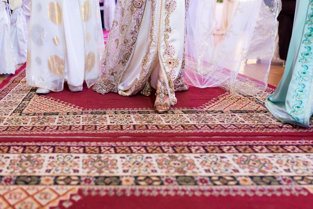 Zapato de novia con segundo traje en boda musulmana en Sarao Jardines de Ceuta