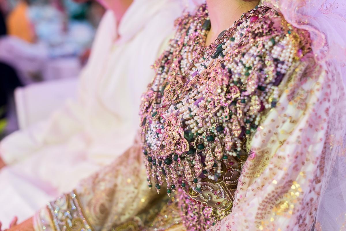 Joyas de novia con segundo traje en boda musulmana en Sarao Jardines de Ceuta