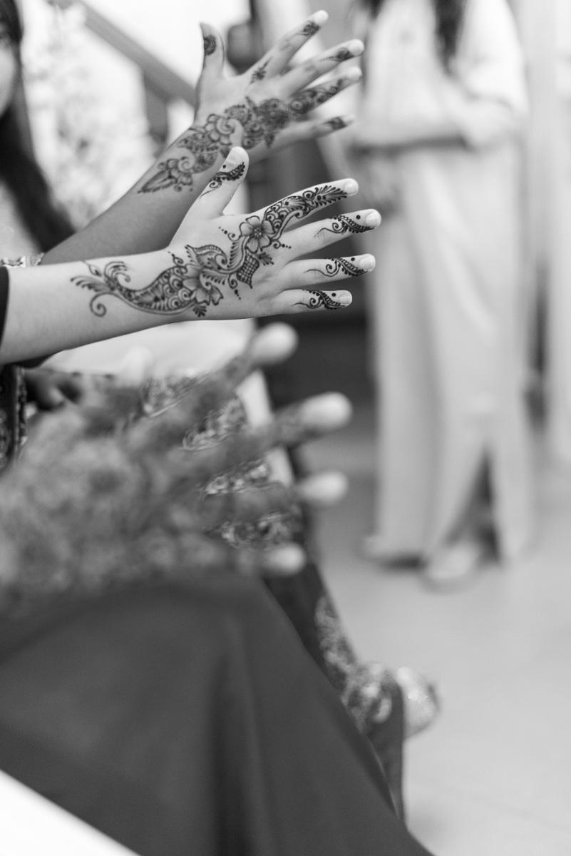 Tatuaje henna invitadas boda musulmana