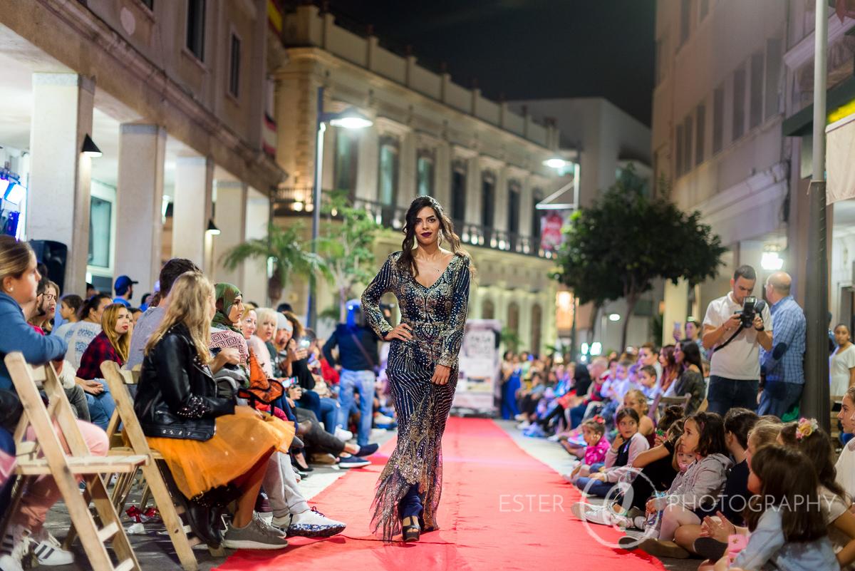 Modelos en el desfile de fiesta de la semana del comercio de Ceuta organizados por la cámara de comercio
