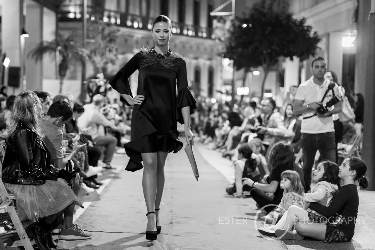 Modelos en el desfile de moda de la semana del comercio de Ceuta organizados por la cámara de comercio