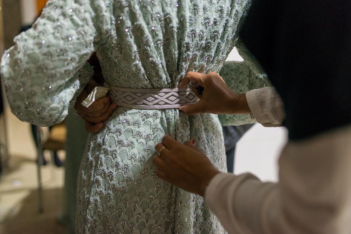 Preparativos de la novia en boda musulmana en Castillejos y Ceuta