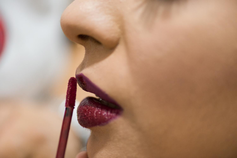 Maquillaje de labios oscuros para boda árabe con ziana Farida Ceuta