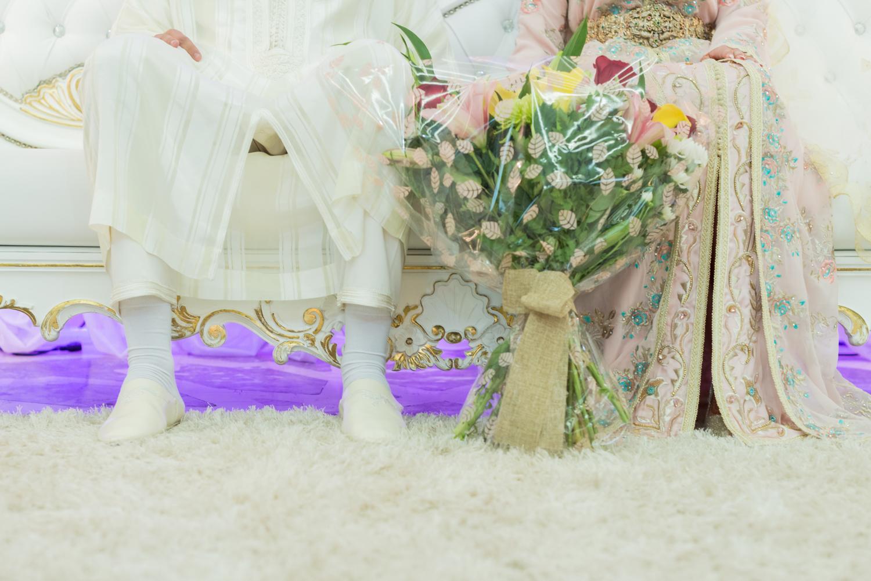 Fotógrafa de boda musulmana con novios en boda Ceuta